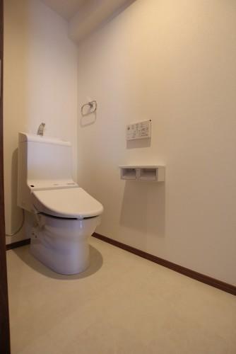 川崎市麻生区【新百合ヶ丘エリア】にあるリフォーム工房アントレのリノベーション事例-トイレ