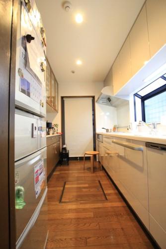 川崎市麻生区のリフォーム会社 リフォーム工房アントレのキッチンリフォーム。トクラス ベリー ハイバックカウンターの施工事例の写真c