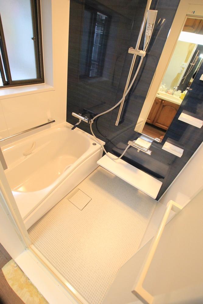 川崎市麻生区のリフォーム会社 リフォーム工房アントレの2階のお風呂・ユニットバスのリフォームの写真03