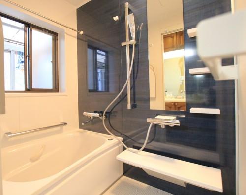 川崎市麻生区のリフォーム会社 リフォーム工房アントレの2階のお風呂・ユニットバスのリフォームの写真02