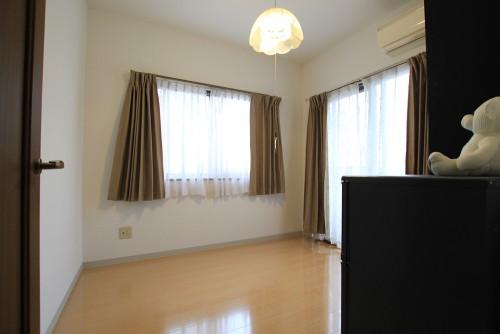 川崎市麻生区にあるリフォーム工房アントレのマンションでカーペットからフローリングへのリフォーム・リノベーション事例floor05_02